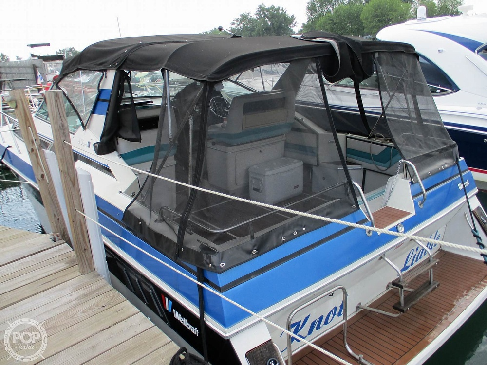 1988 Wellcraft boat for sale, model of the boat is St. Tropez 32 & Image # 24 of 40