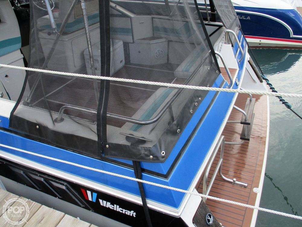 1988 Wellcraft boat for sale, model of the boat is St. Tropez 32 & Image # 25 of 40