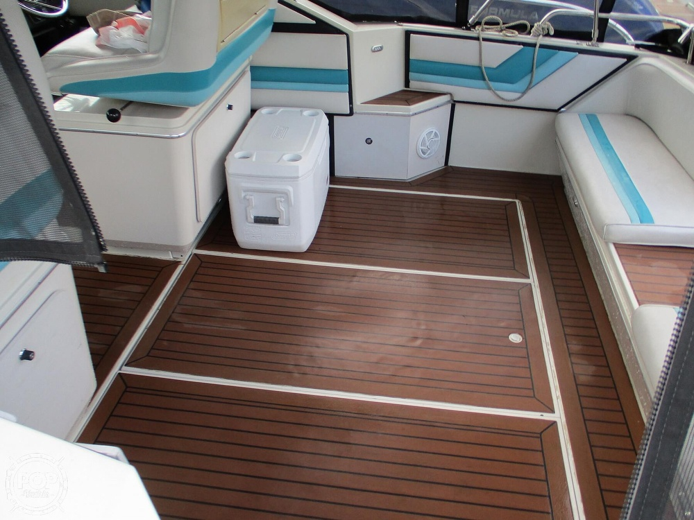 1988 Wellcraft boat for sale, model of the boat is St. Tropez 32 & Image # 27 of 40