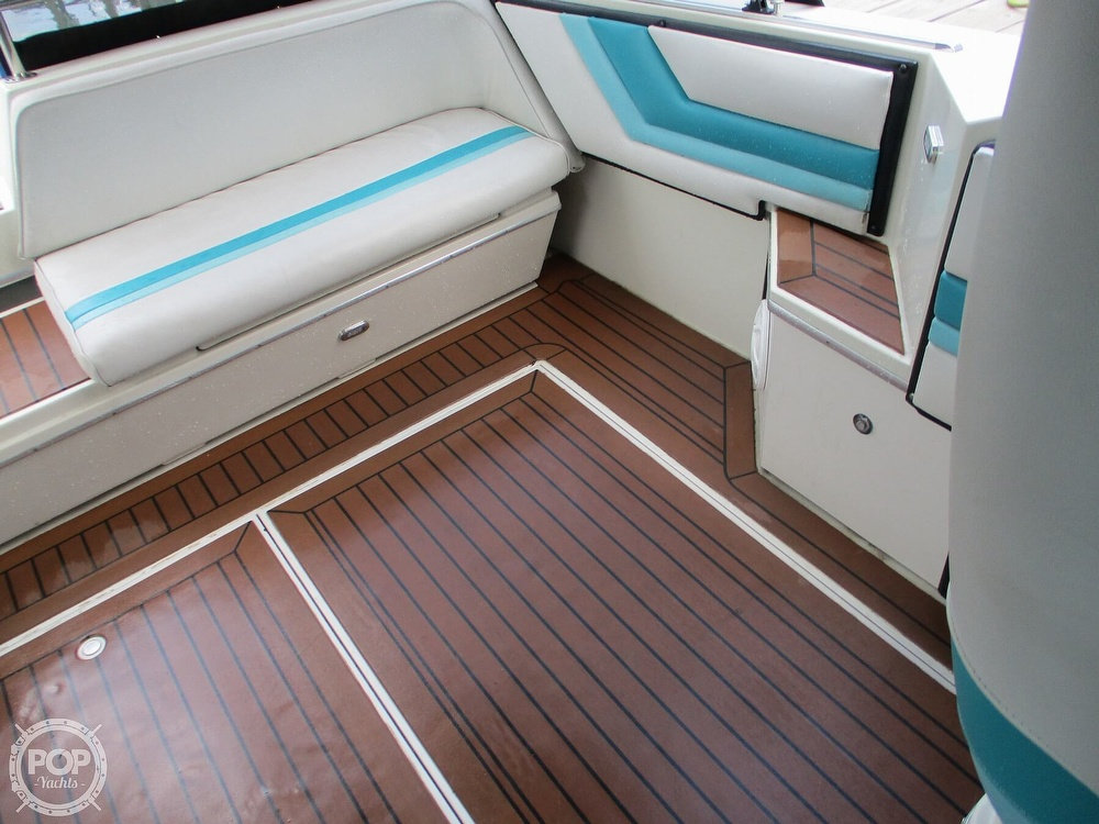 1988 Wellcraft boat for sale, model of the boat is St. Tropez 32 & Image # 29 of 40