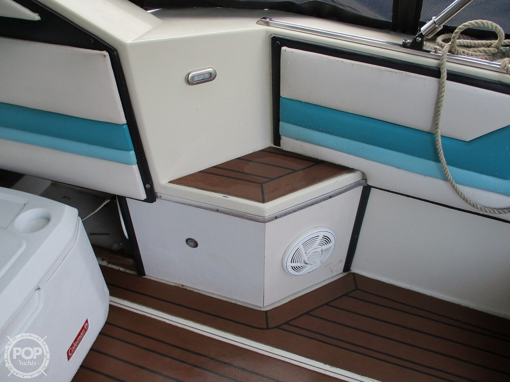 1988 Wellcraft boat for sale, model of the boat is St. Tropez 32 & Image # 34 of 40