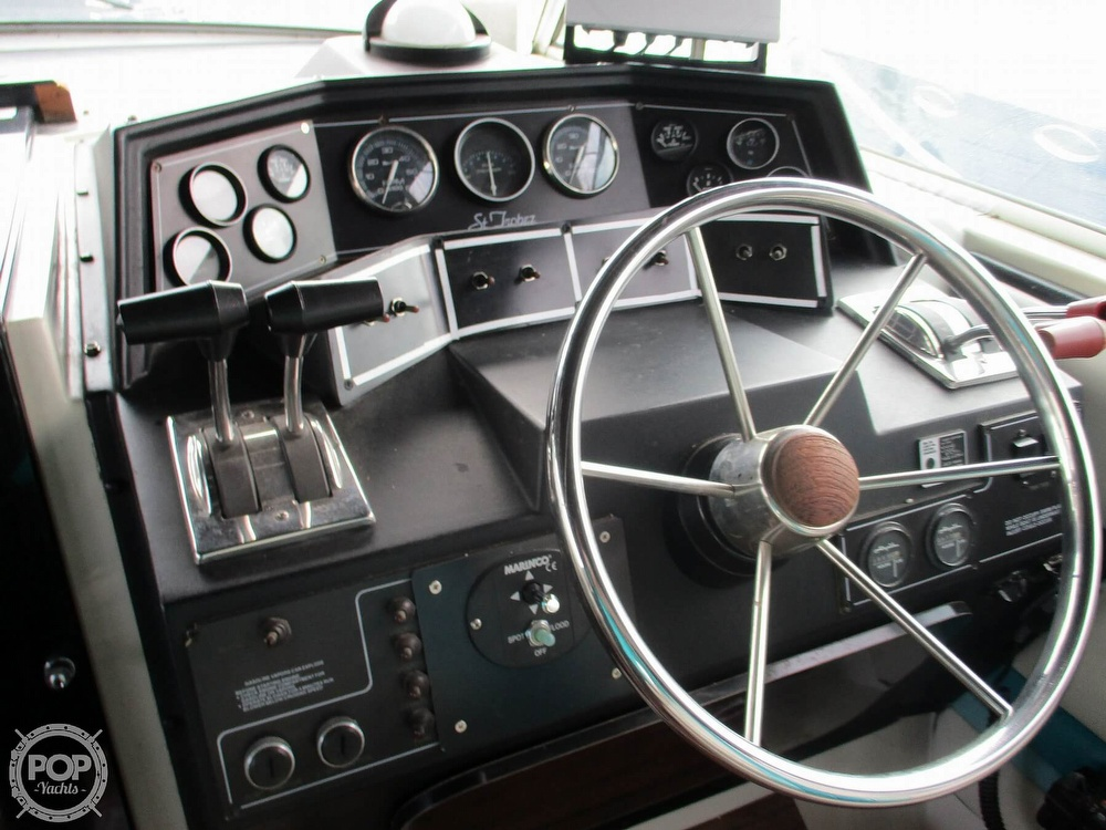 1988 Wellcraft boat for sale, model of the boat is St. Tropez 32 & Image # 35 of 40