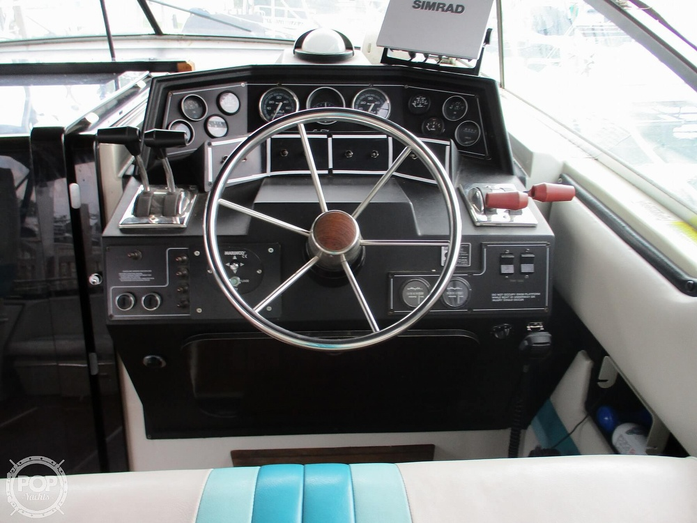 1988 Wellcraft boat for sale, model of the boat is St. Tropez 32 & Image # 36 of 40