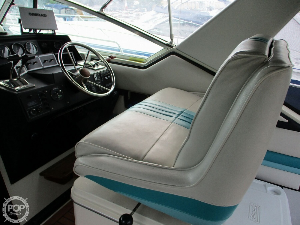 1988 Wellcraft boat for sale, model of the boat is St. Tropez 32 & Image # 37 of 40