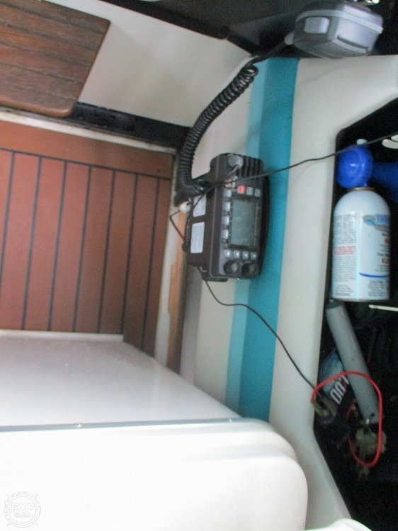 1988 Wellcraft boat for sale, model of the boat is St. Tropez 32 & Image # 38 of 40