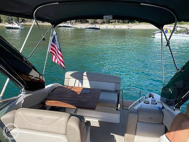 2014 Regal boat for sale, model of the boat is 28 Express & Image # 4 of 40