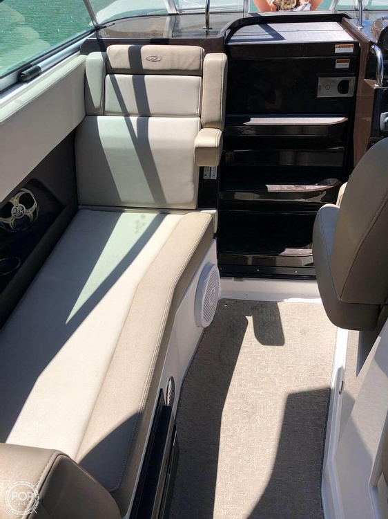2014 Regal boat for sale, model of the boat is 28 Express & Image # 5 of 40