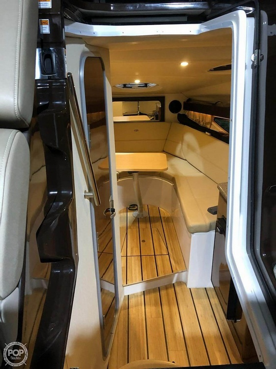 2014 Regal boat for sale, model of the boat is 28 Express & Image # 7 of 40