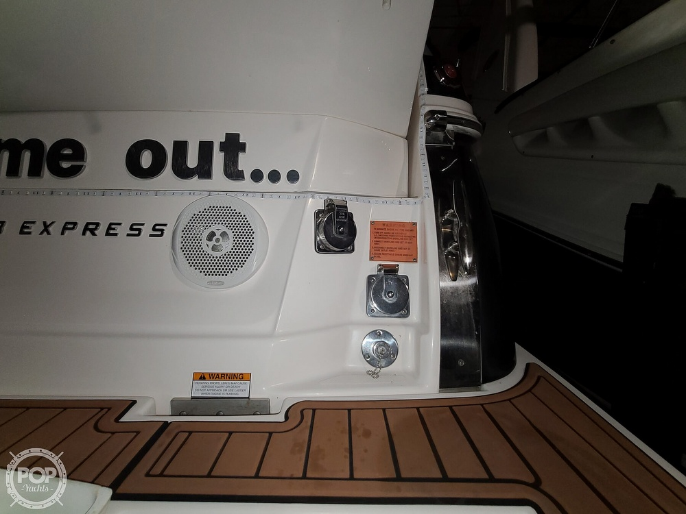 2014 Regal boat for sale, model of the boat is 28 Express & Image # 29 of 40