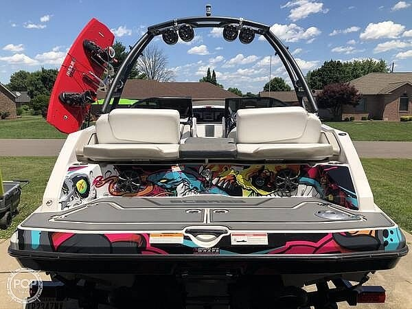 2014 Scarab boat for sale, model of the boat is 215 HO Impulse & Image # 3 of 16