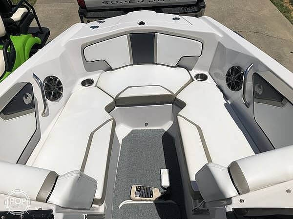 2014 Scarab boat for sale, model of the boat is 215 HO Impulse & Image # 2 of 16