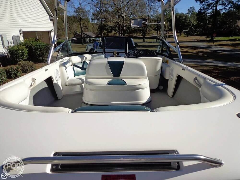 2000 Moomba boat for sale, model of the boat is Outback & Image # 17 of 40
