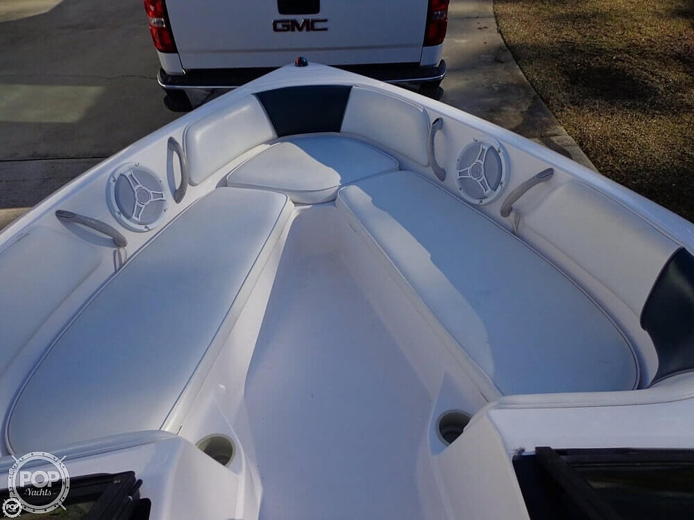2000 Moomba boat for sale, model of the boat is Outback & Image # 28 of 40