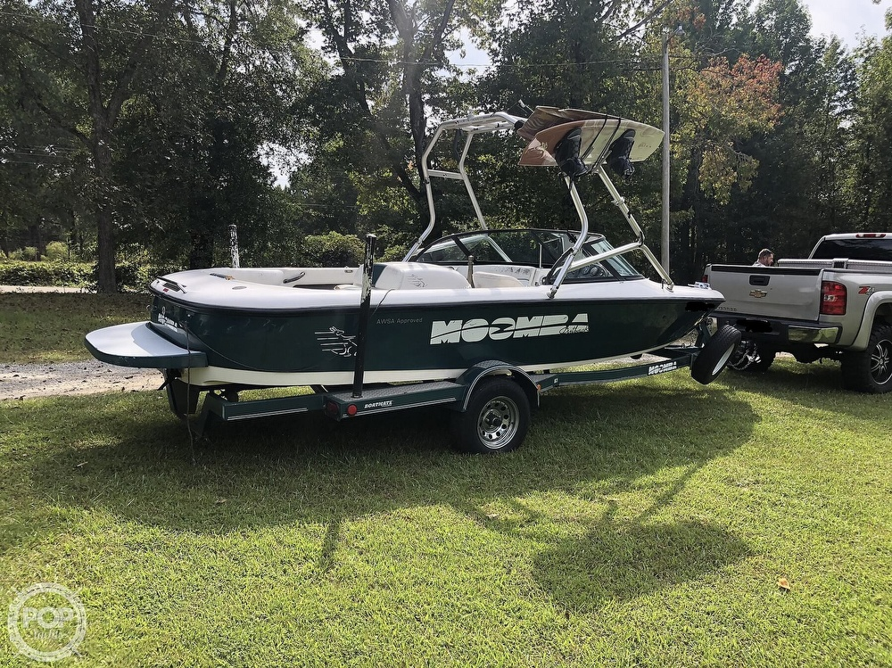 2000 Moomba boat for sale, model of the boat is Outback & Image # 12 of 40