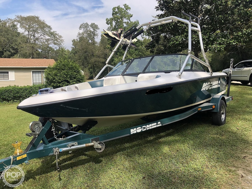 2000 Moomba boat for sale, model of the boat is Outback & Image # 2 of 40