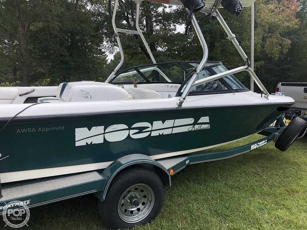 2000 Moomba boat for sale, model of the boat is Outback & Image # 22 of 40