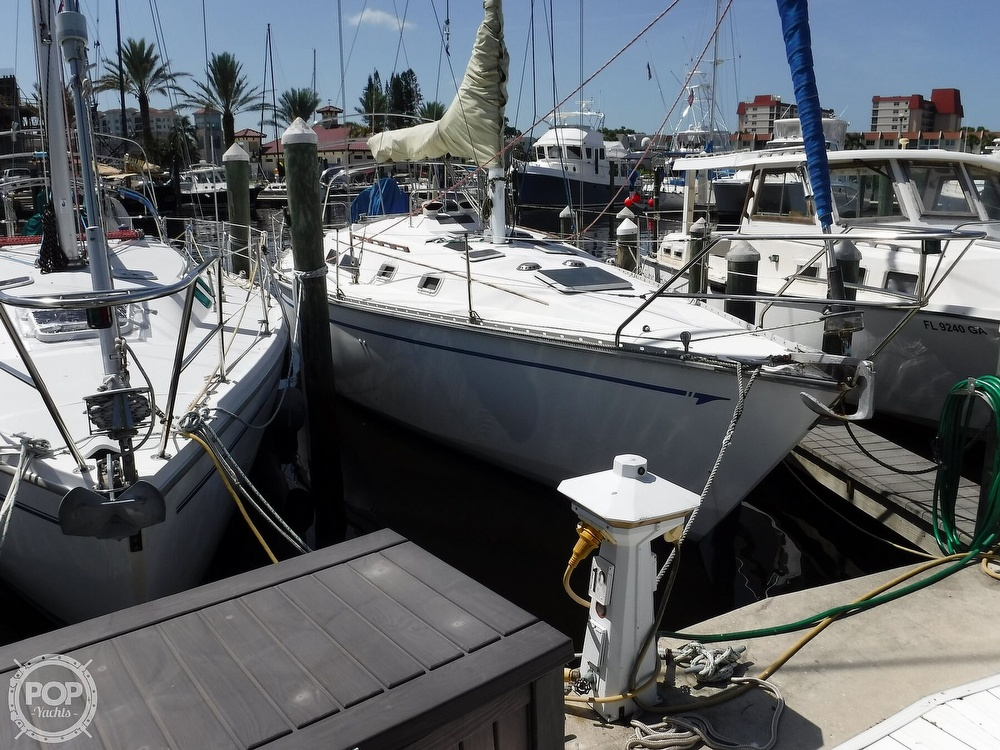 1986 Hunter boat for sale, model of the boat is 34 & Image # 2 of 40