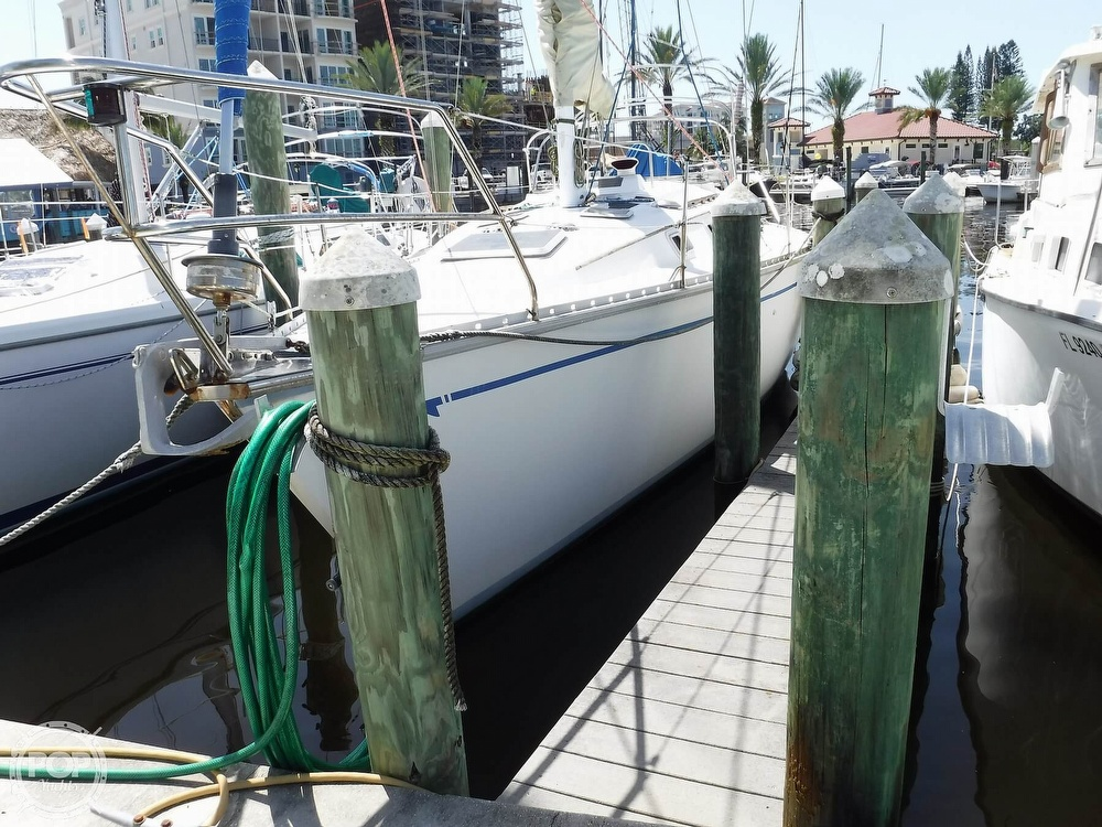 1986 Hunter boat for sale, model of the boat is 34 & Image # 3 of 40