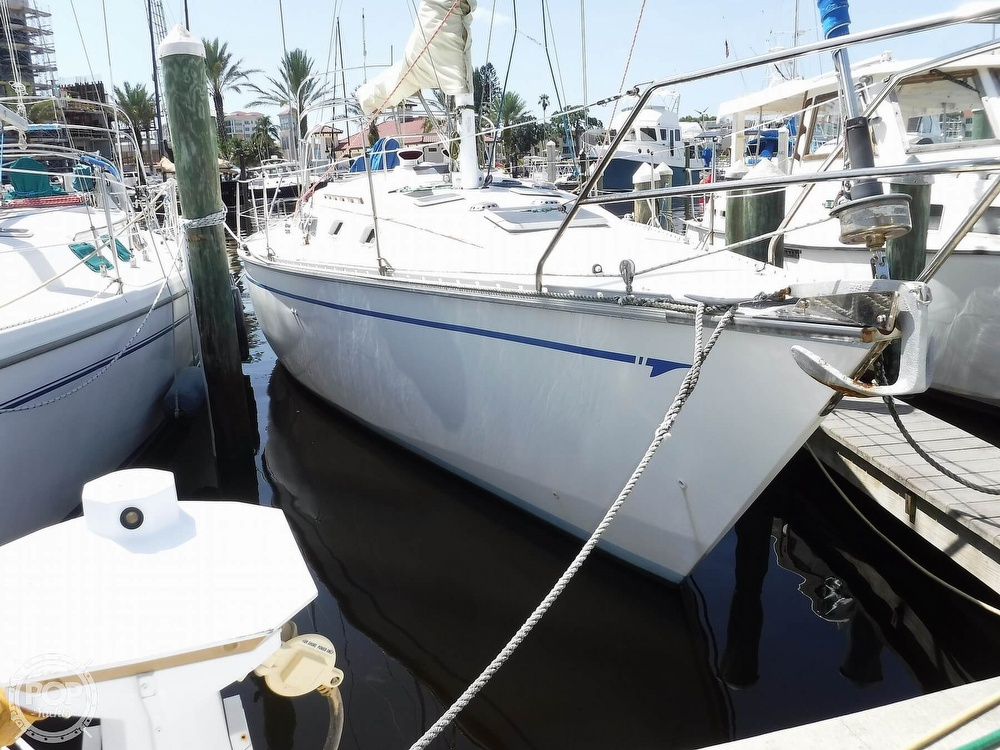 1986 Hunter boat for sale, model of the boat is 34 & Image # 4 of 40