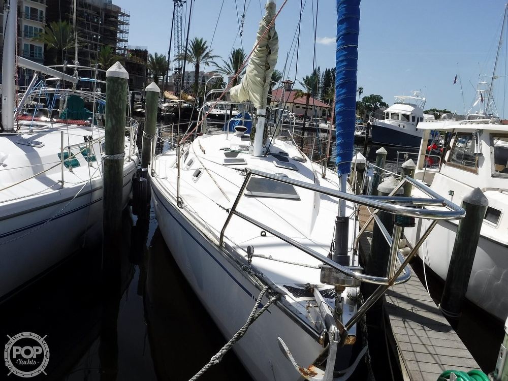 1986 Hunter boat for sale, model of the boat is 34 & Image # 5 of 40
