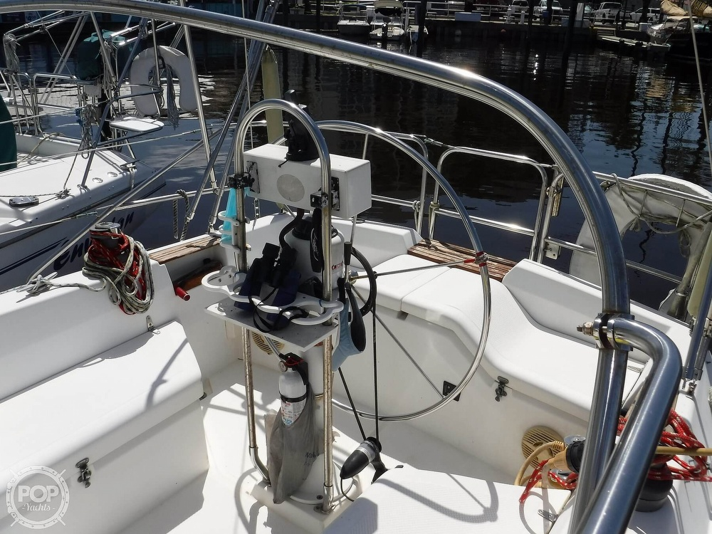 1986 Hunter boat for sale, model of the boat is 34 & Image # 10 of 40