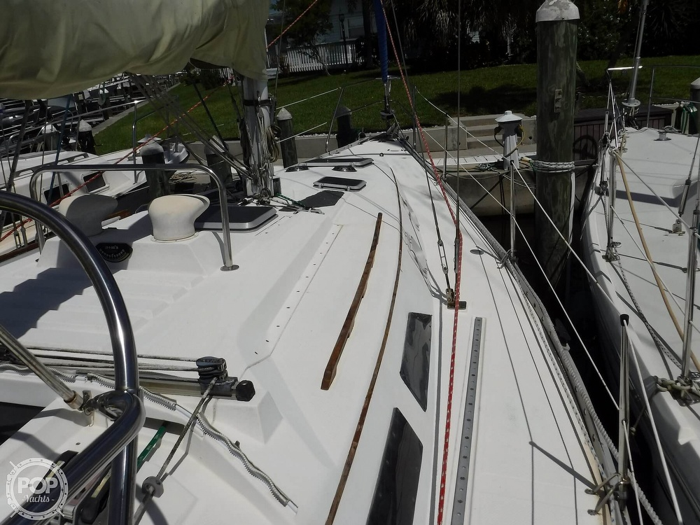 1986 Hunter boat for sale, model of the boat is 34 & Image # 15 of 40