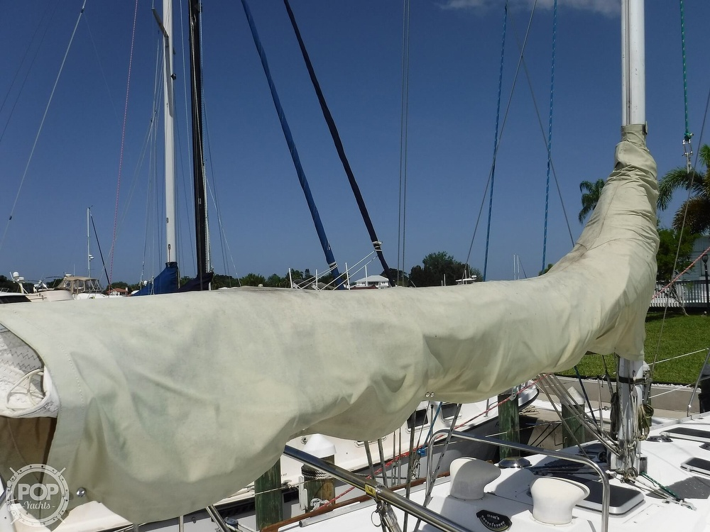 1986 Hunter boat for sale, model of the boat is 34 & Image # 16 of 40