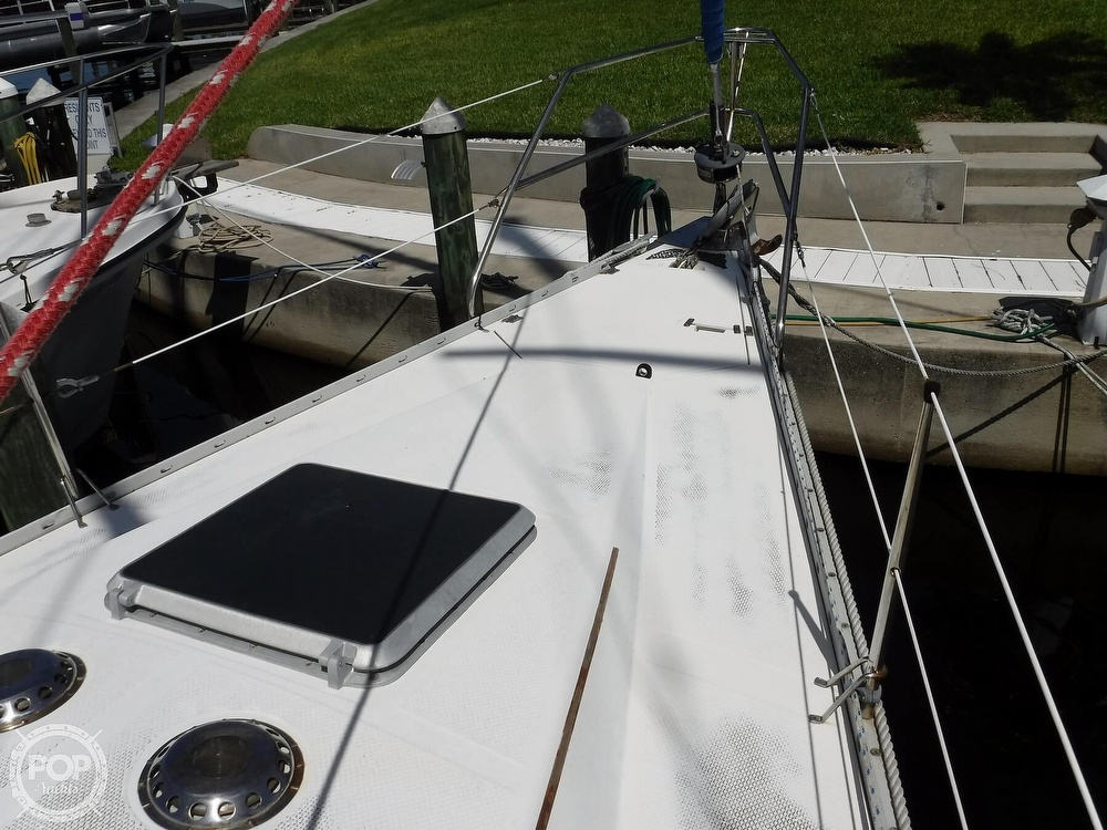 1986 Hunter boat for sale, model of the boat is 34 & Image # 22 of 40