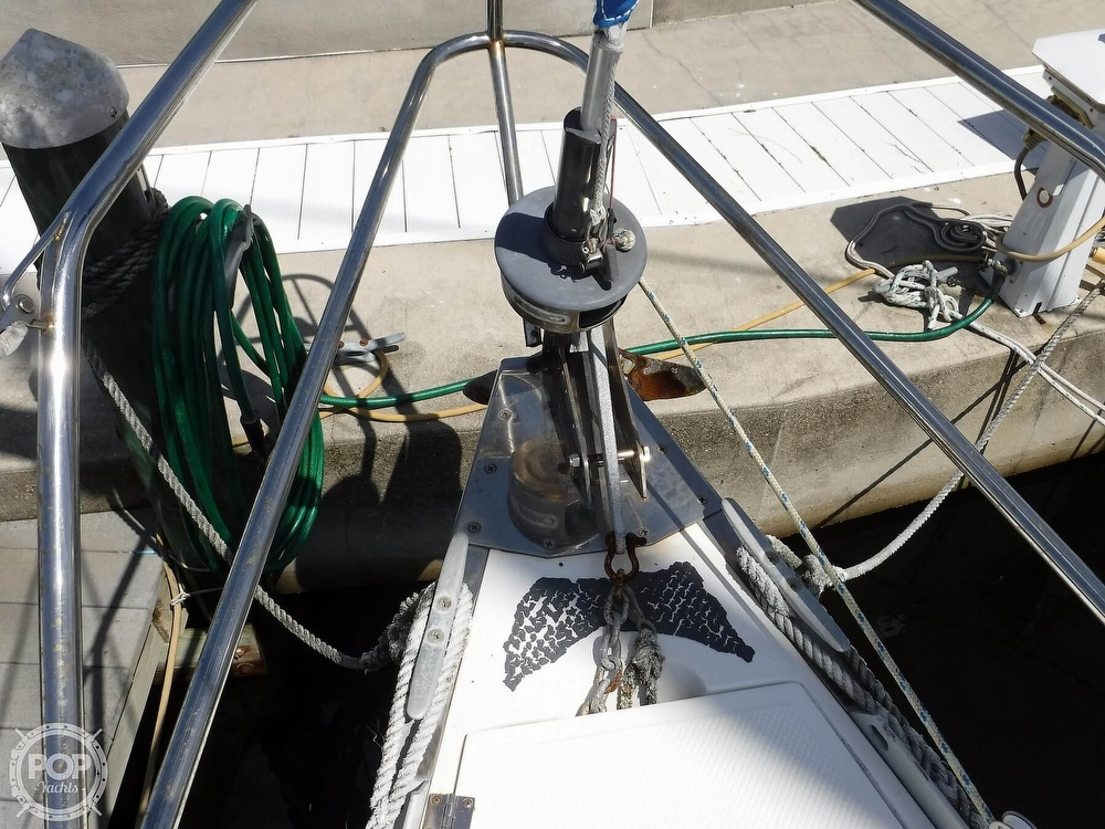 1986 Hunter boat for sale, model of the boat is 34 & Image # 23 of 40