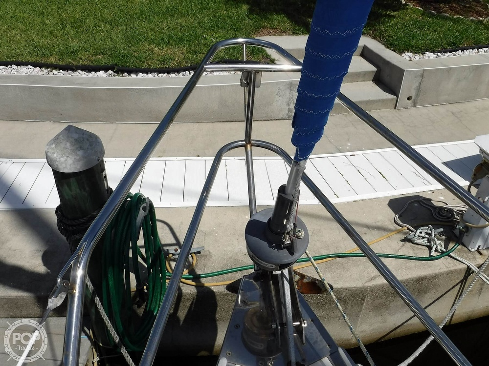 1986 Hunter boat for sale, model of the boat is 34 & Image # 24 of 40