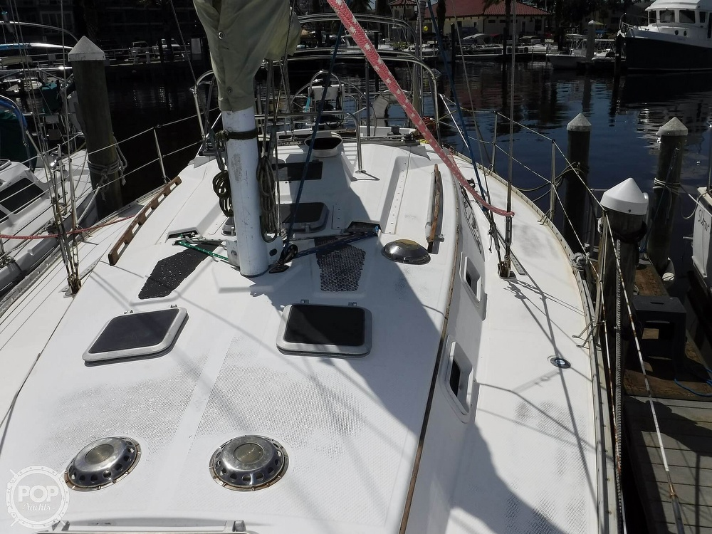 1986 Hunter boat for sale, model of the boat is 34 & Image # 26 of 40