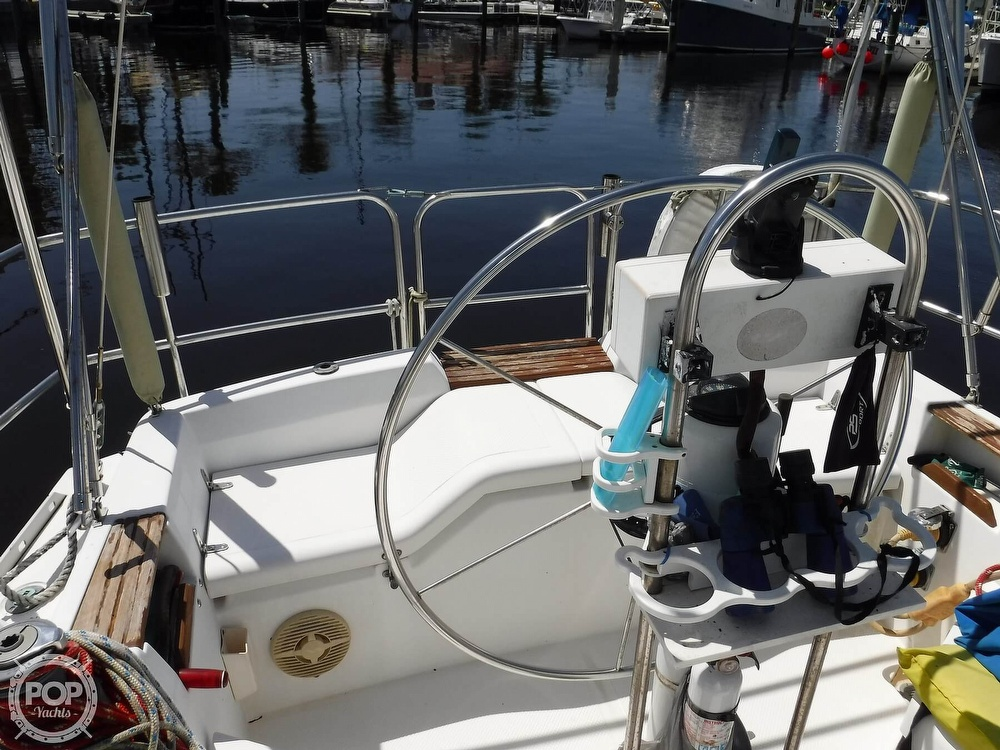 1986 Hunter boat for sale, model of the boat is 34 & Image # 38 of 40