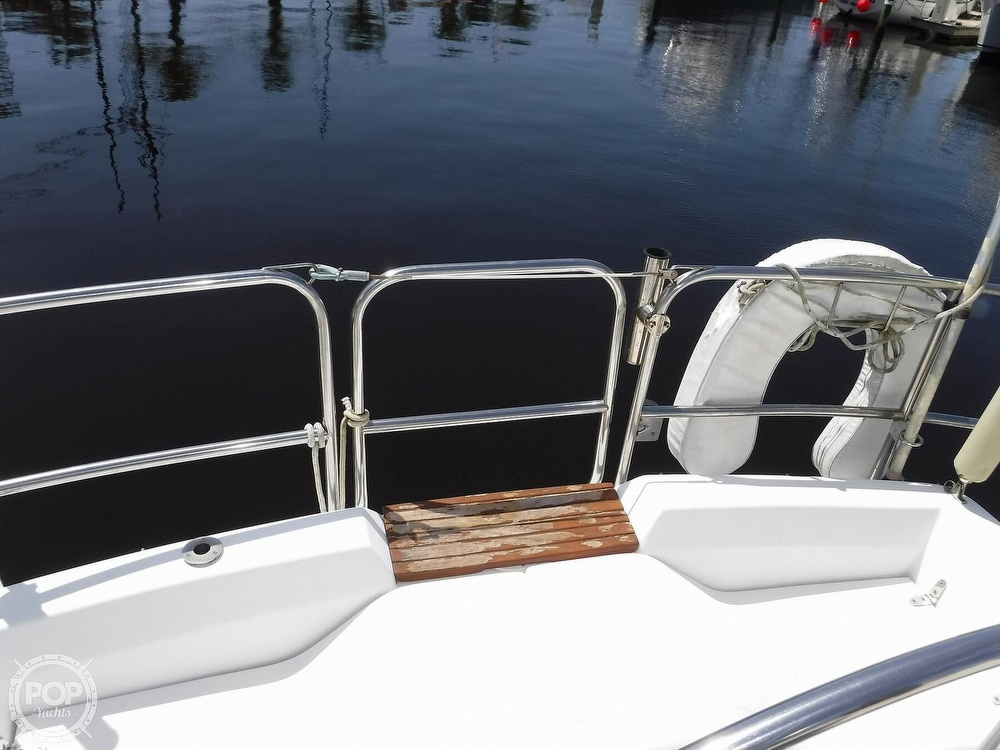 1986 Hunter boat for sale, model of the boat is 34 & Image # 39 of 40