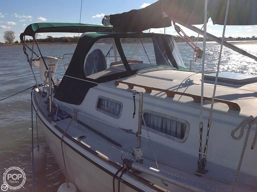 1984 Pearson boat for sale, model of the boat is 303 & Image # 3 of 40