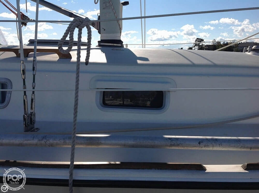 1984 Pearson boat for sale, model of the boat is 303 & Image # 6 of 40