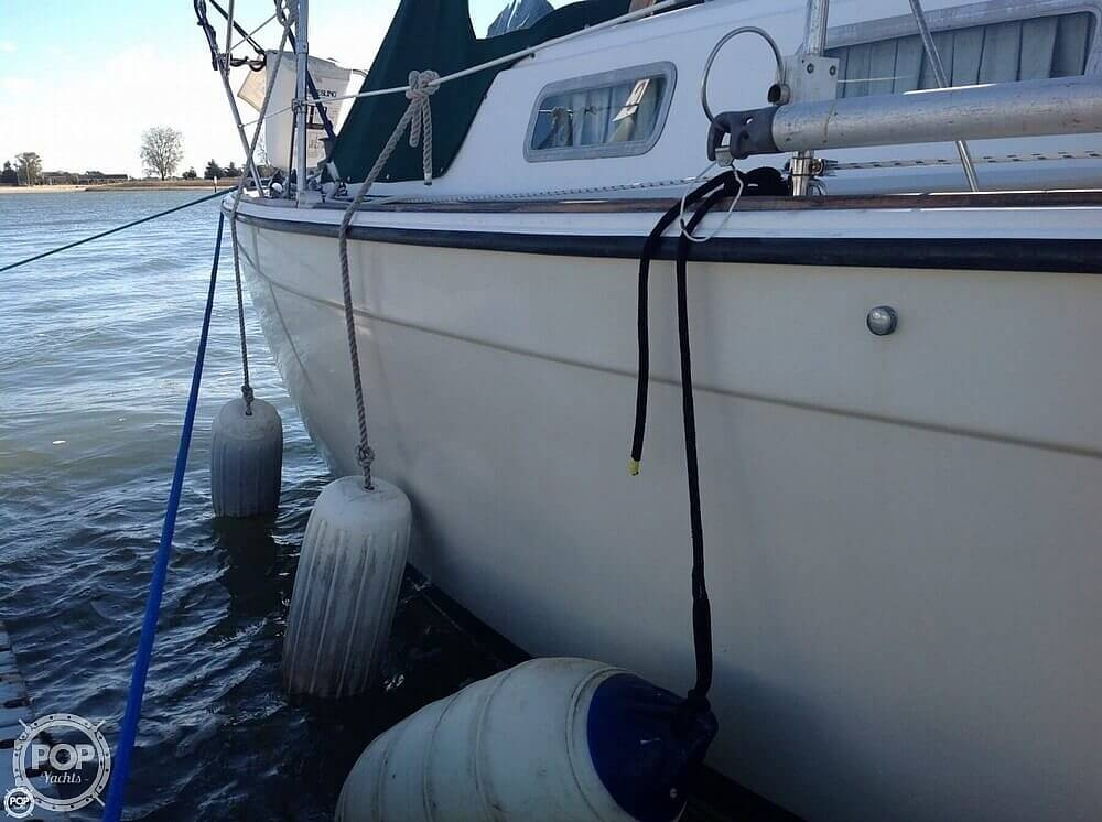 1984 Pearson boat for sale, model of the boat is 303 & Image # 7 of 40
