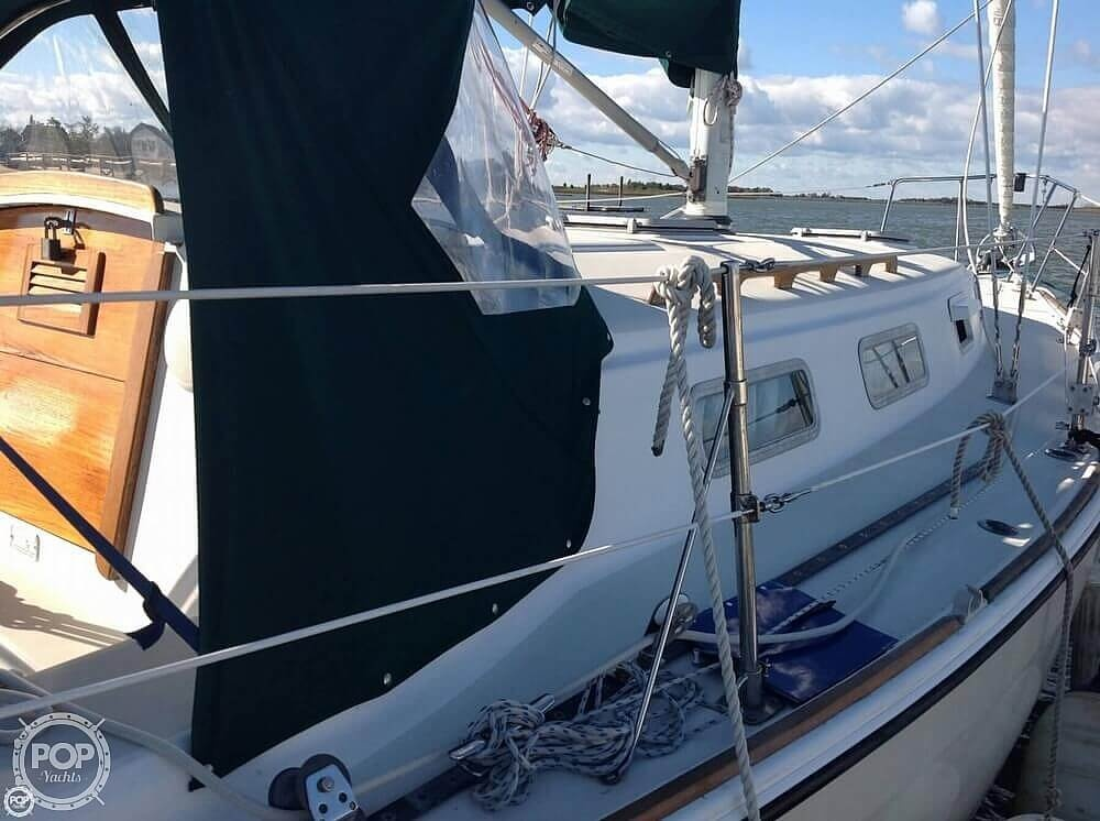 1984 Pearson boat for sale, model of the boat is 303 & Image # 11 of 40