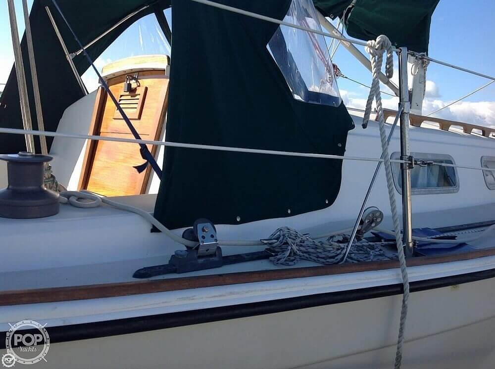 1984 Pearson boat for sale, model of the boat is 303 & Image # 13 of 40