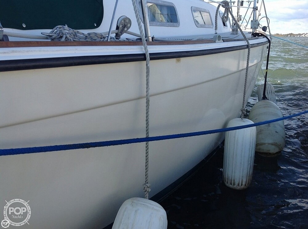 1984 Pearson boat for sale, model of the boat is 303 & Image # 14 of 40