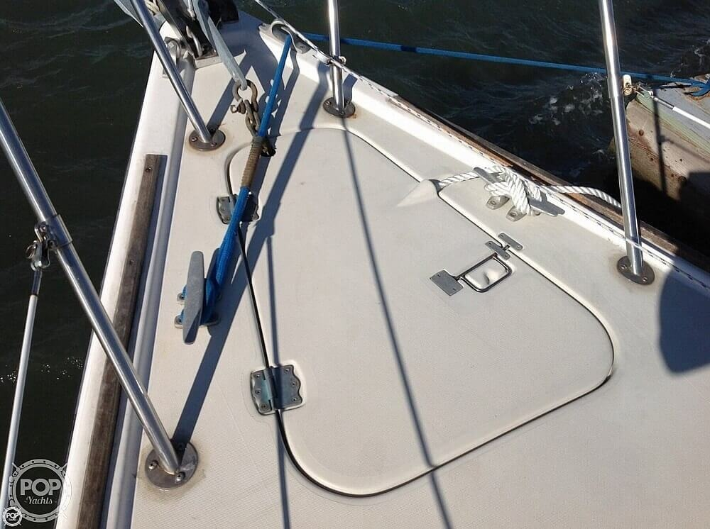 1984 Pearson boat for sale, model of the boat is 303 & Image # 28 of 40