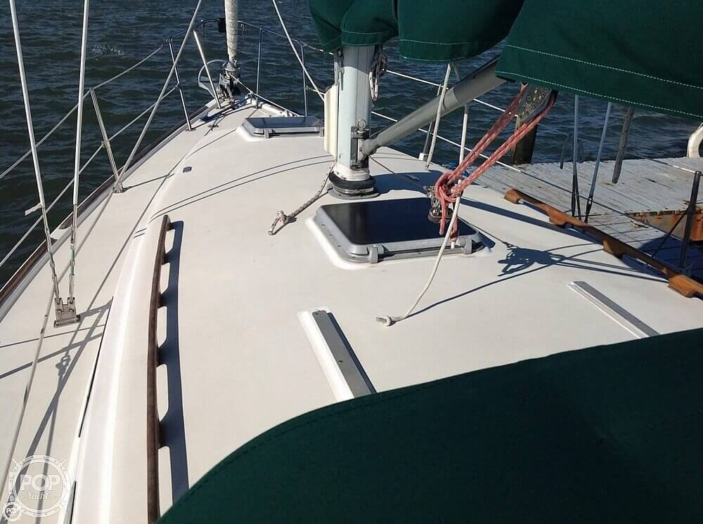 1984 Pearson boat for sale, model of the boat is 303 & Image # 32 of 40
