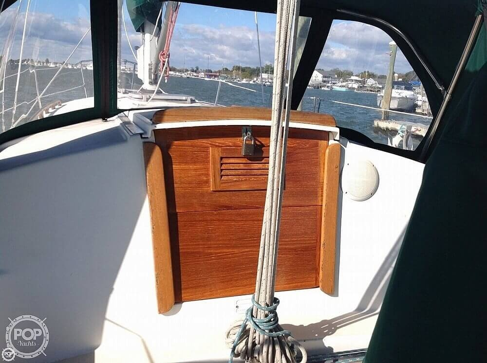 1984 Pearson boat for sale, model of the boat is 303 & Image # 37 of 40