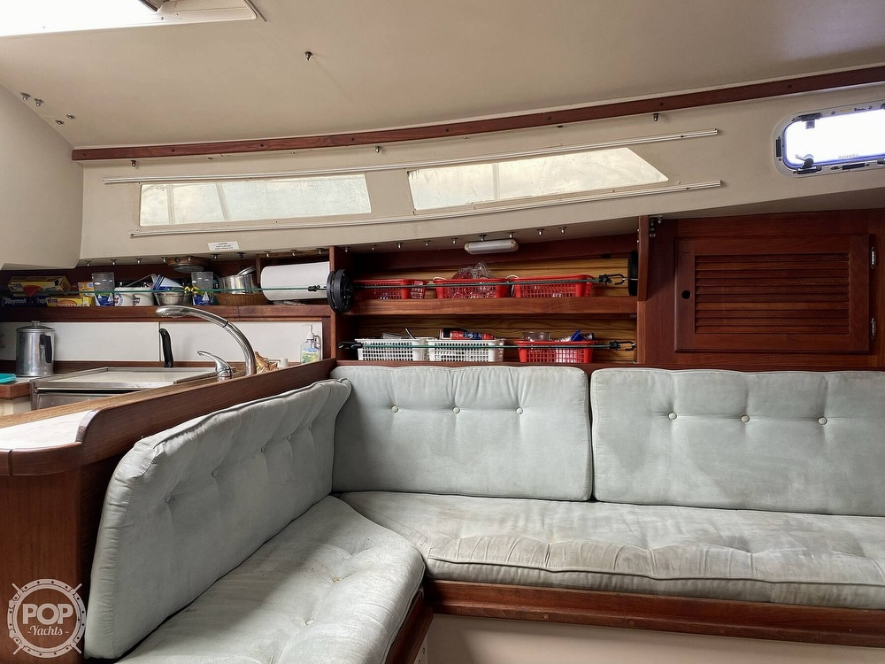 1988 Catalina Yachts boat for sale, model of the boat is 30 Tall Rig & Image # 6 of 40