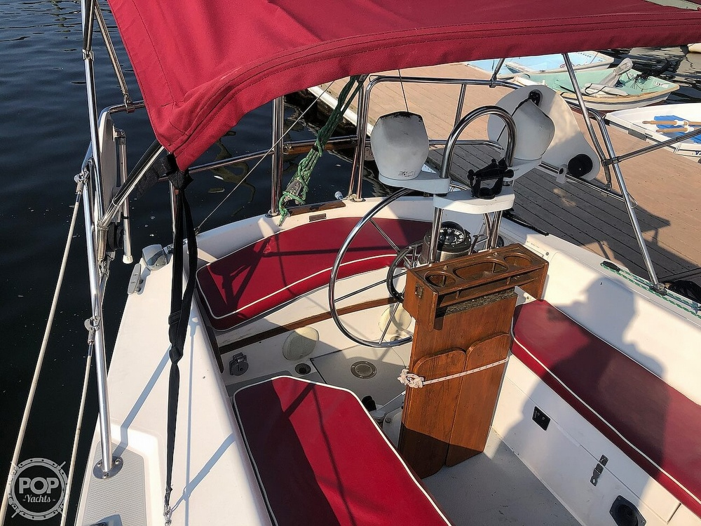 1988 Catalina Yachts boat for sale, model of the boat is 30 Tall Rig & Image # 3 of 40
