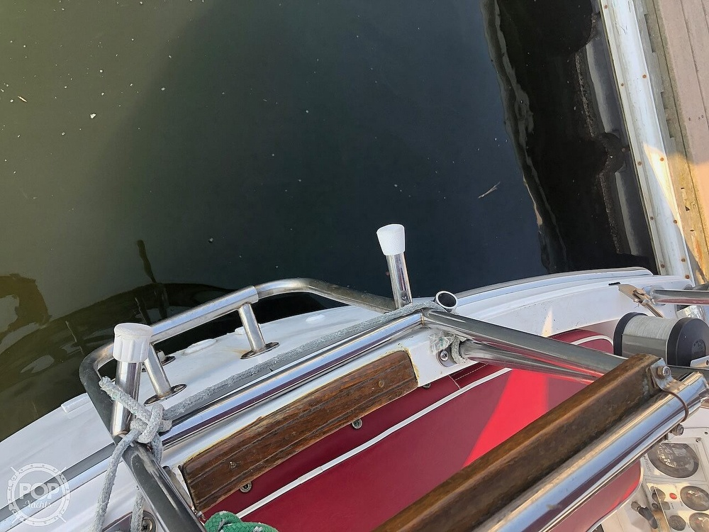 1988 Catalina Yachts boat for sale, model of the boat is 30 Tall Rig & Image # 24 of 40