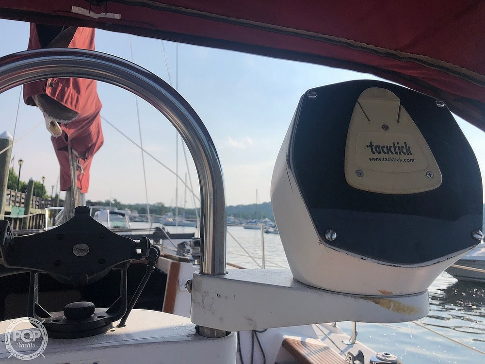 1988 Catalina Yachts boat for sale, model of the boat is 30 Tall Rig & Image # 25 of 40