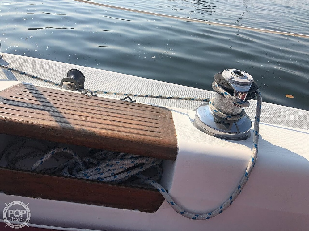 1988 Catalina Yachts boat for sale, model of the boat is 30 Tall Rig & Image # 28 of 40