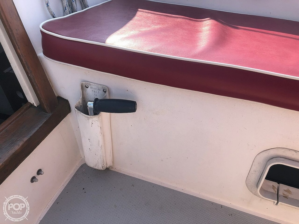 1988 Catalina Yachts boat for sale, model of the boat is 30 Tall Rig & Image # 29 of 40