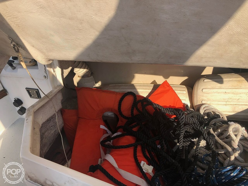 1988 Catalina Yachts boat for sale, model of the boat is 30 Tall Rig & Image # 31 of 40