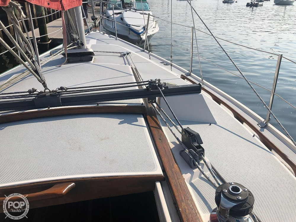 1988 Catalina Yachts boat for sale, model of the boat is 30 Tall Rig & Image # 32 of 40